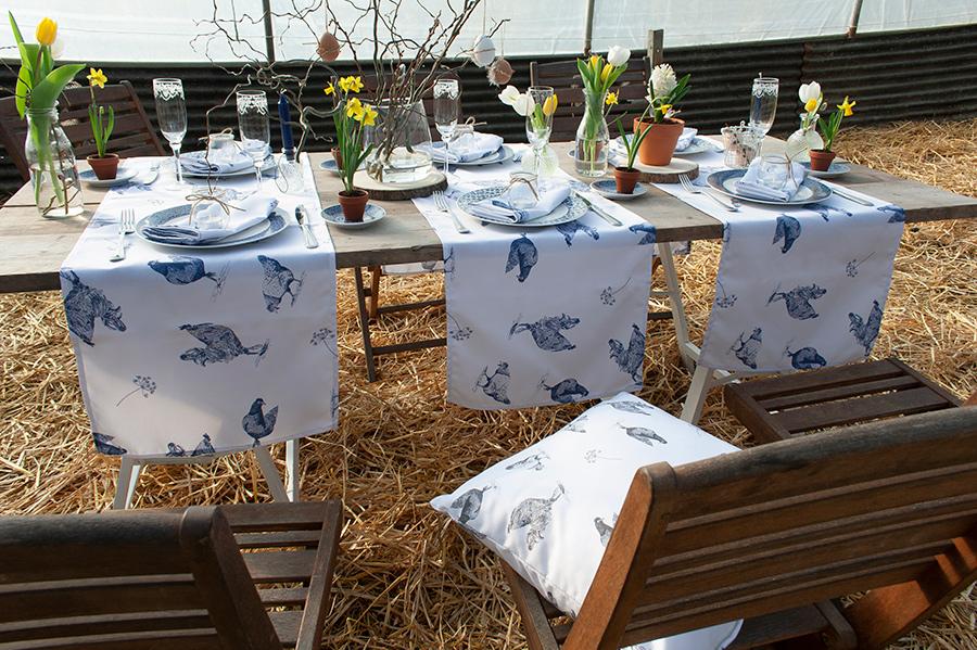 tafellopers kippen blauw