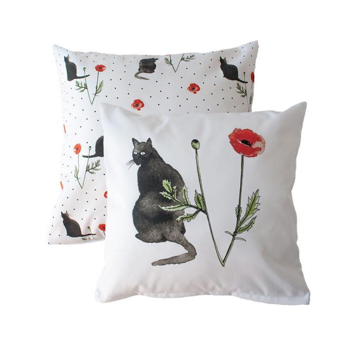 Decoratieve kussens katten en klaprozen