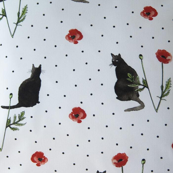 sierkussens cats en poppies detail stof